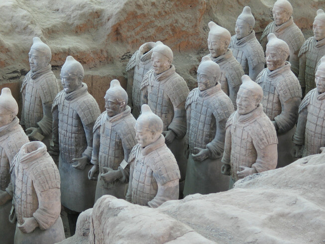 Armée_de_terre_cuite,_fouille_du_tombeau_de_l'empereur_Qin,_Xi'an