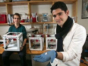 THE NEW HORIZONS OF REGENERATIVE MEDECINE: DANNY CABRERA, FOUNDER OF BIOBOTS