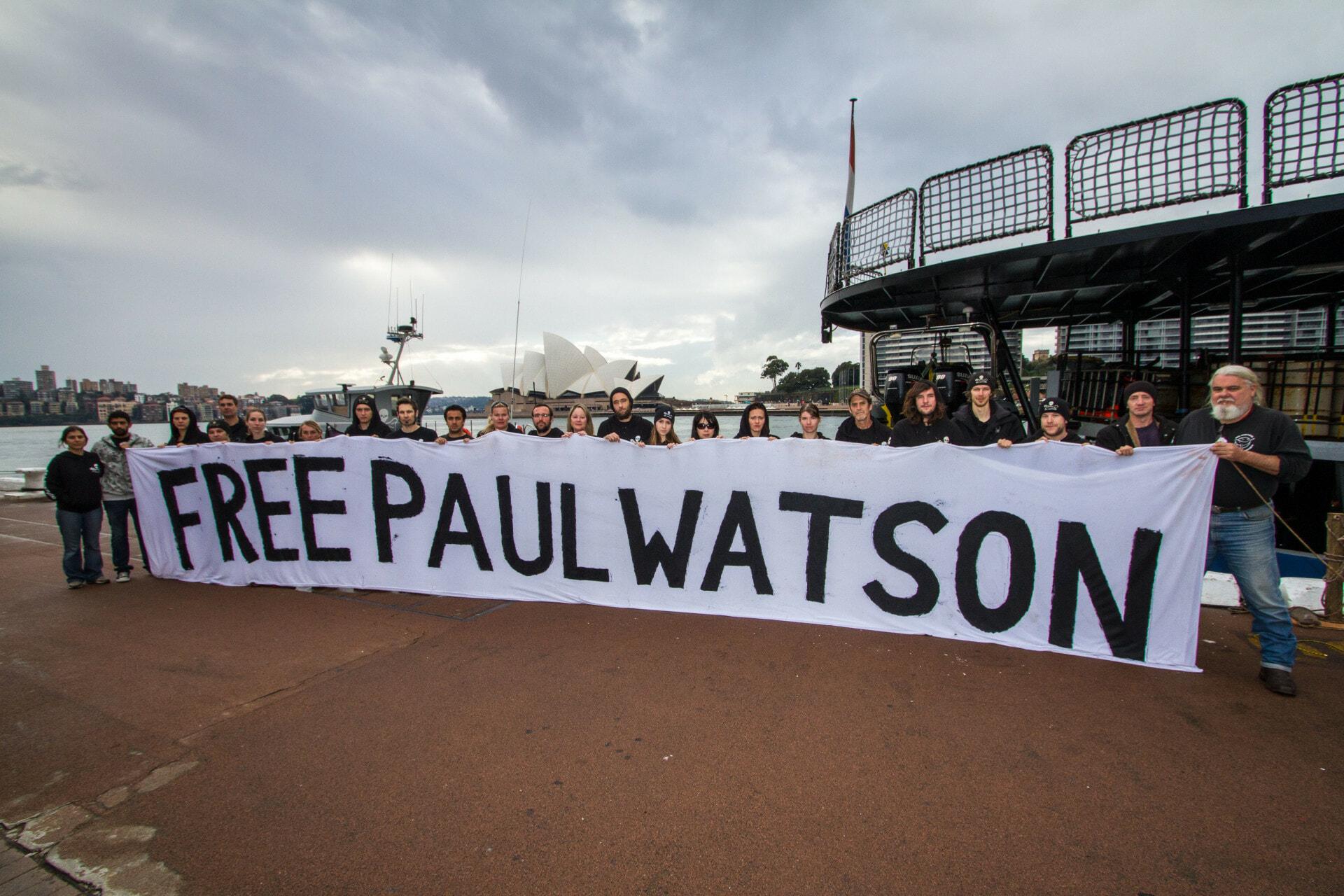 120610_SA_ Sydney_ Barker_Bardot_crews_holding_Free_Paul_Watson_Banner_6721