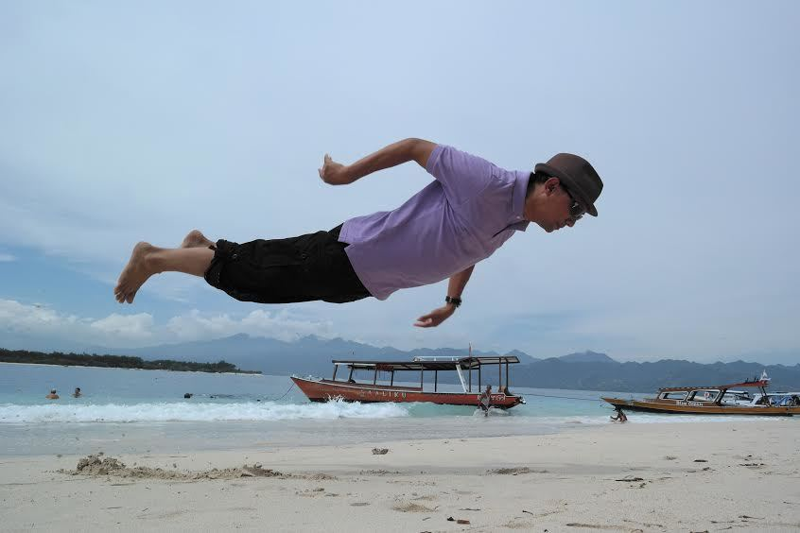 levitation-photography-JUNANTO HERDIAWAN
