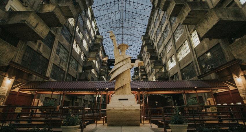 Doomocracy's Lady Liberty - Brooklyn Army Terminal - Credit Will Star Shooting Stars Pro (1)
