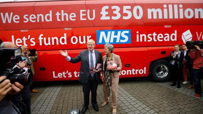 red bus-leave-impakter