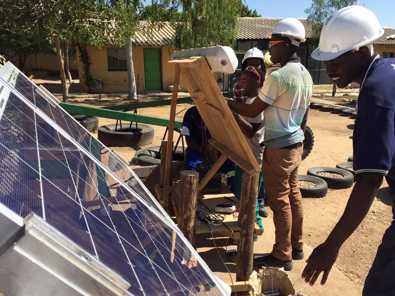 Solar power jobs (c) World Policy Institute_1