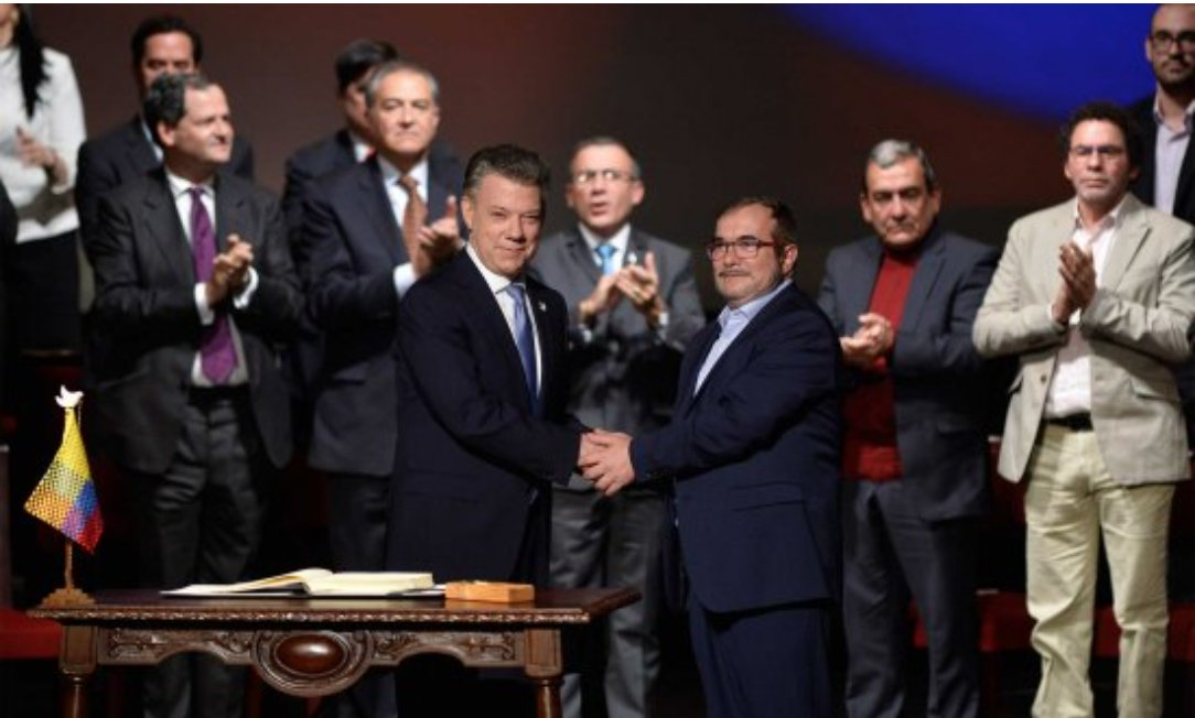 President Santos and Timochenko a.k.a. FARC's leader, signs the final Peace Accord (November, 24th 2016)