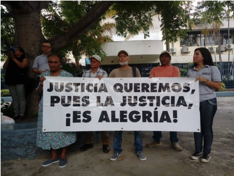 """""""Justice we want, because justice is happiness"""". Civil Society organizations' demonstration in San Salvador."""