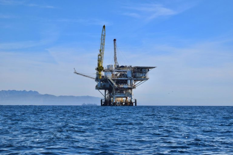 Oil rig offshore drilling Arctic