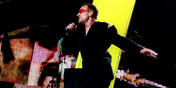 06 Sep 1997 --- U2 IN CONCERT AT PRINCES PARK --- Image by © CARDINALE STEPHANE/CORBIS SYGMA
